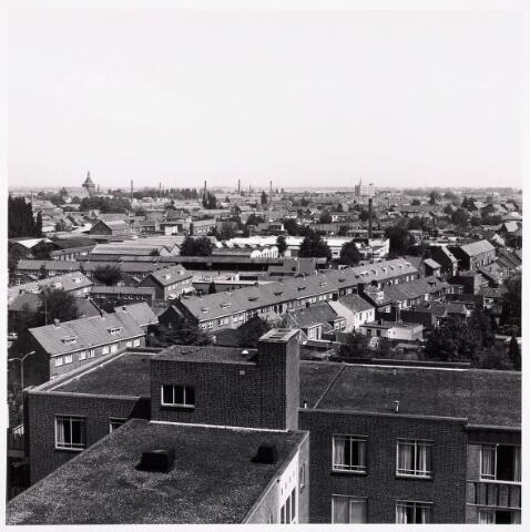 "036711 - Panorama van Tilburg vanaf de torenflat ""Vredeburcht """
