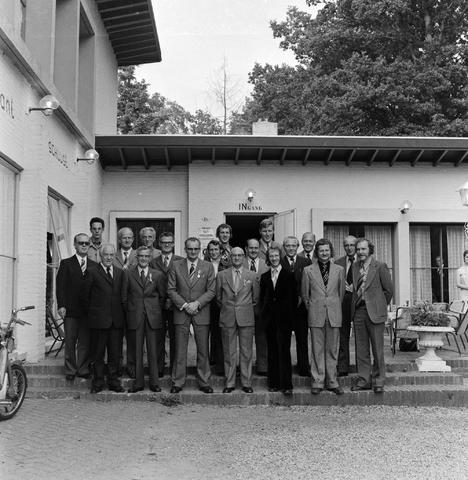 1237_012_991-2_003 - Viering van een jubileum van textiel firma Van Besouw b.v. bij restaurant Boschlust in Goirle in juni 1974.