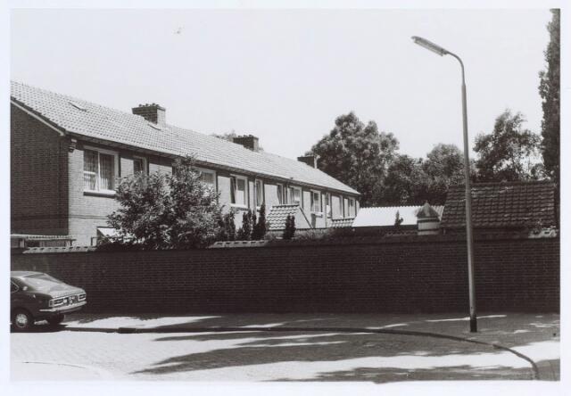 019837 - Achterzijde van panden aan de Graaf Engelbertstraat