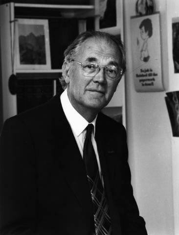 1238_F0164 - Professor J.A.M. van Dijck. Van 1978 t/m 1980 was hij rector magnificus van de K.U.B. Van 1955 tot 1963 was hij lector. In 1963 werd hij benoemd tot hoogleraar in het belastingrecht.