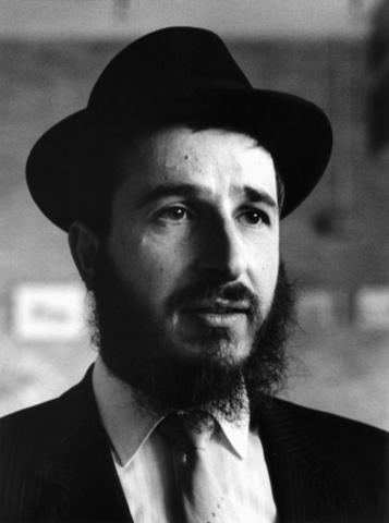 1238_F0288 - Bekende mensen. Rabbijn Van de Kamp