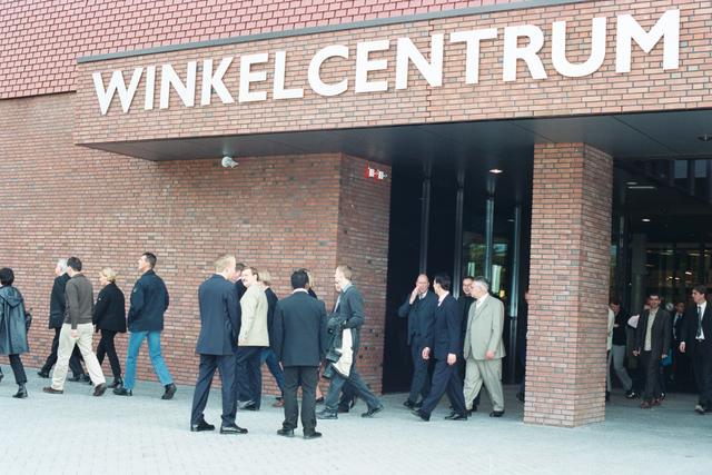 1237_003_297_002 - School. De Rooi Pannen. Opening nieuwe locatie 2002