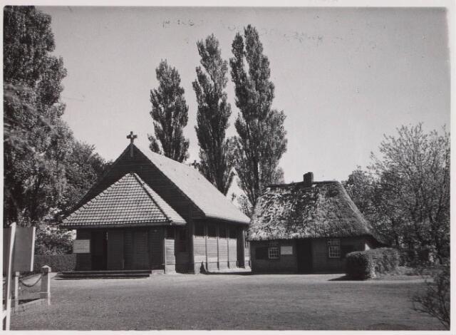 028194 - Kapel bij en geboortehuis van Petrus Donders