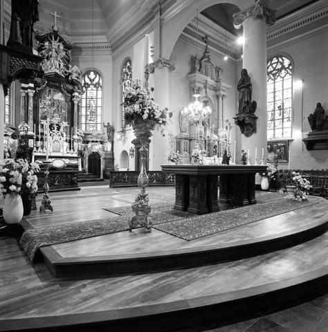 D-001243-1 - Interieur van de Heikese kerk (Sint-Dionysiuskerk)