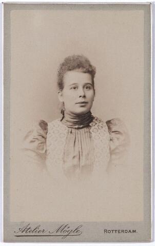 004629 - Maria Anna (Marianne) LIPPMANN trouwde op 27-1-1898 te Rotterdam met Andreas Joseph Casper (André) Houben (1867-1915),  van beroep kassier, zoon van Casper Houben en Antonetta Leonora Verbunt.