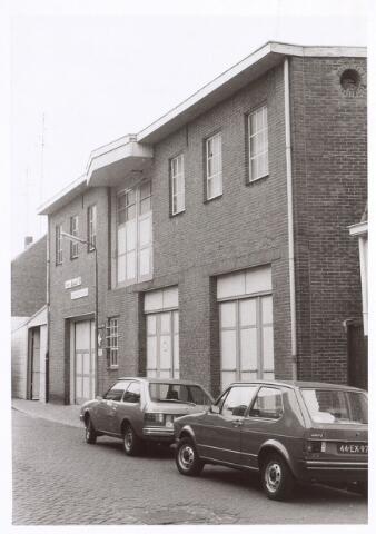 017274 - Magazijn van woninginrichting Van Iersel aan de Capucijnenstraat anno 1977