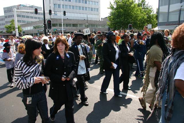 657378 - De T-parade. Een kleurrijke multiculturele optocht door het centrum van Tilburg. De vele culturen van Tilburg worden getoond.