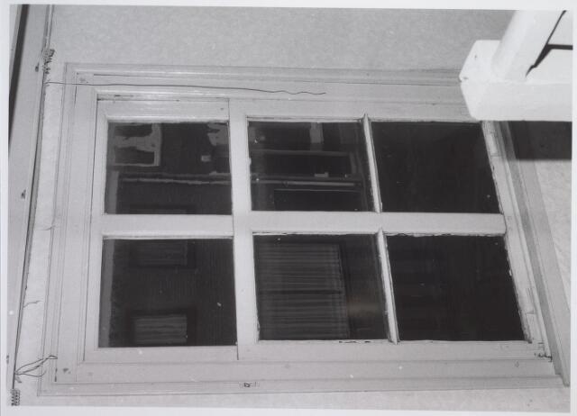 026553 - Raam op verdieping van het pand Molenstraat 1