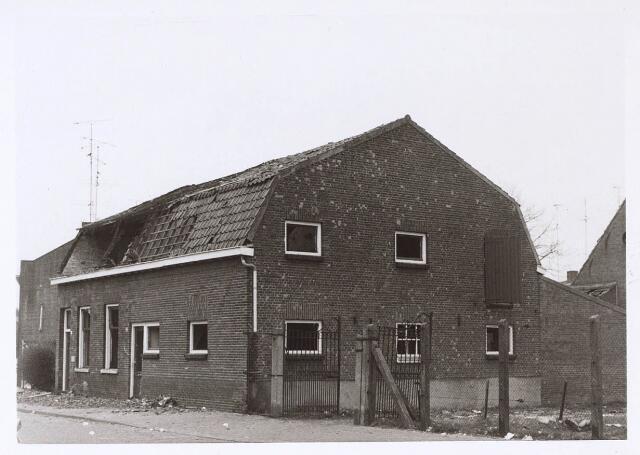 024362 - Uitgebrande boerderij aan de Beeksedijk (thans Korhoenstraat).