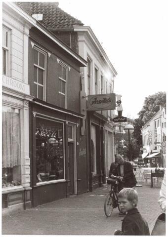 021816 - Gedeelte van de Heuvelstraat dat voorheen behoorde bij de Zomerstraat, gezien in de richting  van de huidige Zomerstraat