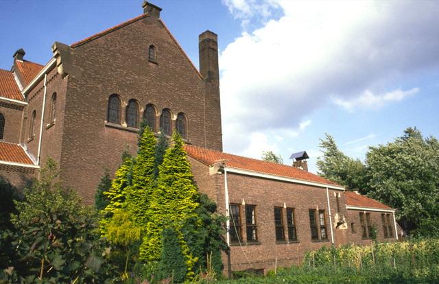 656541 - Sloop van de Lovense kerk (Willibrordus  kerk) in 1999-2000.