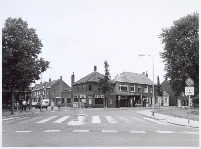 019871 - Splitsing Deken Botsstraat (links)  en Groeseindstraat gezien vanuit de Veldhovenring
