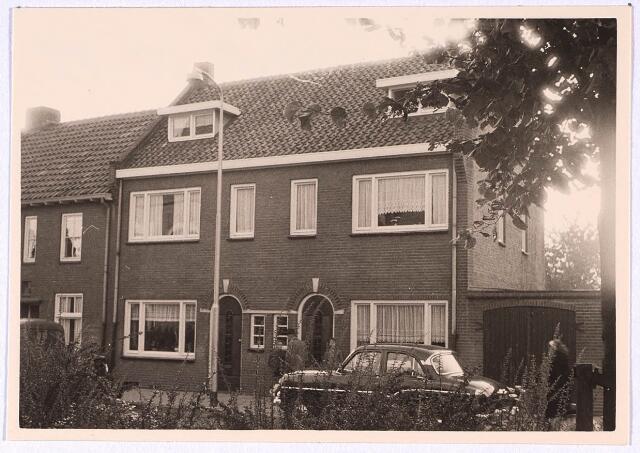 024832 - Panden Kruisvbaarderstraat 41 (links) en 43 (rechts) medio 1962