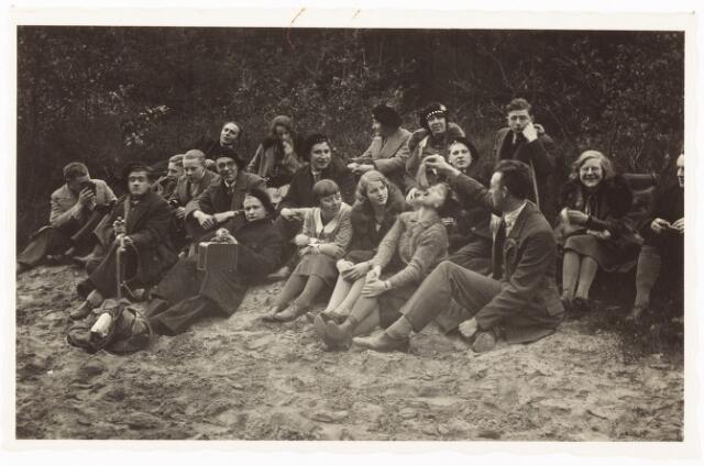 052081 - Hoger Voortgezet Onderwijs. Katholieke studentenvereniging St. Leonardus. Wandeltocht Loon op Zand - Udenhout.