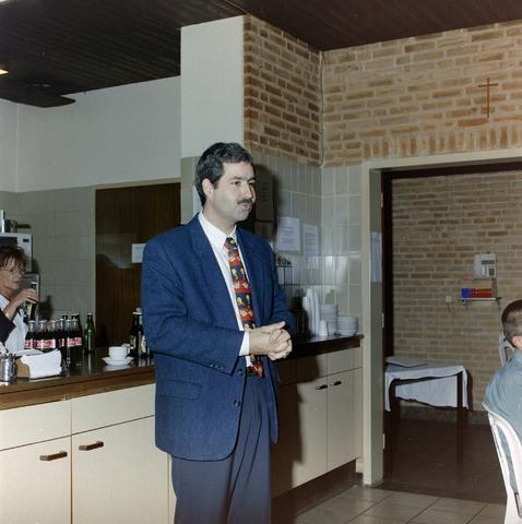 1237_001_020_001 - Ondernemers. Een feestelijke receptie bij de Tilburgse Diensten Centrale in november 1999.