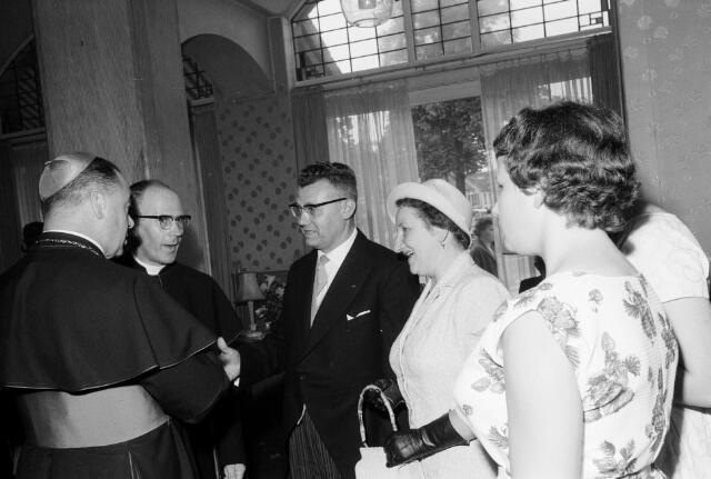 050788 - 25-jaar bij de (KAB) gehuldigd als voorzitter P.J.Vriens.