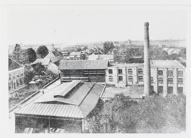 056060 - Lederindustrie. Vache- en zoollederfabriek van de Firma A.J. Hoevenaars-van den Noort. Na een bombardement tijdens de tweede wereldoorlog werd het bedrijf nieuw gebouwd aan de Lange Wagenstraat. Voor de situatie voor 1945 zie ook fotonr. 082404