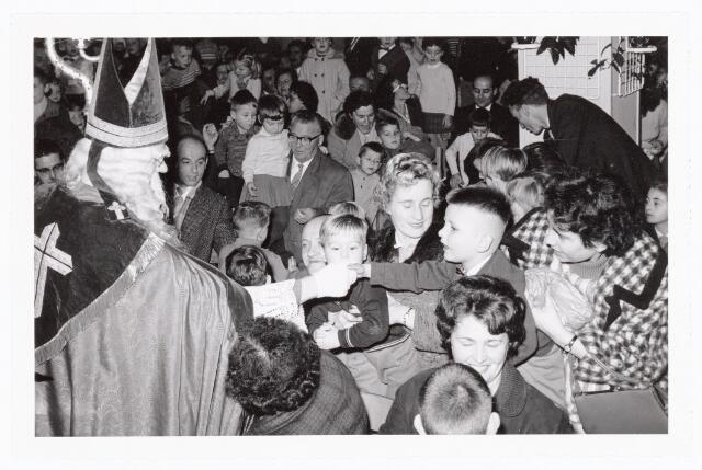 038846 - Volt. Zuid. Ontspanning. Sint Nicolaasfeest in 1960. Sinterklaas. St. Nicolaas