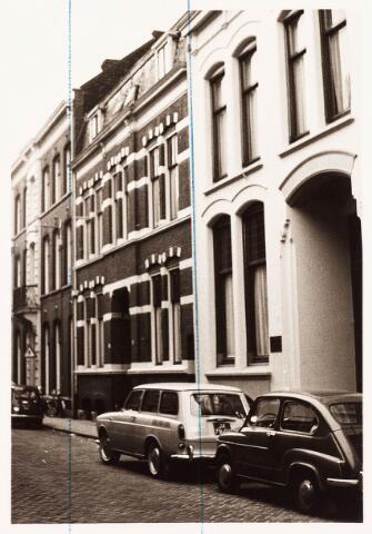 033663 - Voorgevels van de panden Tuinstraat 92-94.