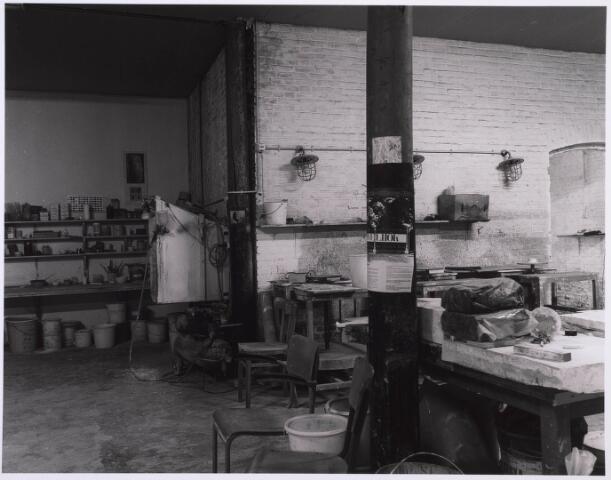 023197 - Duvelhok. Werkcentrum voor beeldende expressie. Interieur vóór de restauratie