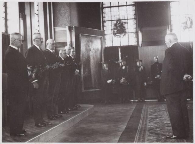 053671 - Landstormschietdag. Het college van B. en W. bij gelegenheid van de schietwedstrijden op de landstormschietdag; v.l.n.r. H. Eijkmans, J.C.A. v.d. Mortel, F.L.G.Z. Vonk de Both, C. v.d. Ven, H.J.A. Scheidelaar, G.V.B. Kevenaer en S. Brandenburg