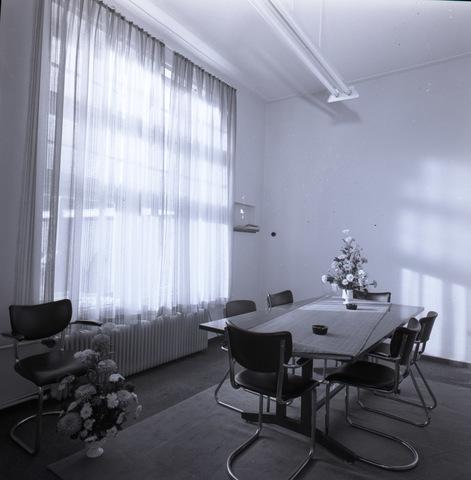 654628 - Interieur. Kantoor/vergaderruimte.