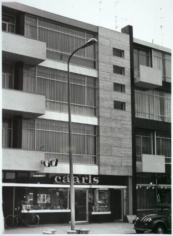 031138 - Schouwburgring. Opening nieuwe winkel opticien Caarls.