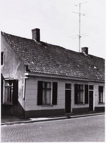 034436 - Lijnsheike 151; thans heet dit deel van de straat Von Weberstraat. De meeste huizen aan het Lijnsheike zijn inmiddels gesloopt.