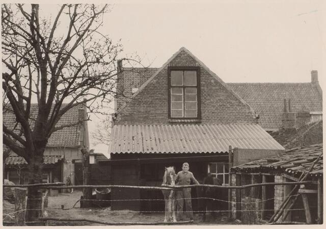 026198 - Achterzijde van het pand Lijnsheike 70 eind april 1963