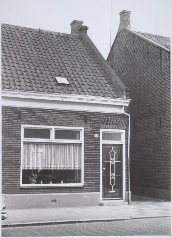 026190 - Pand Lijnsheike 58 halverwege april 1968