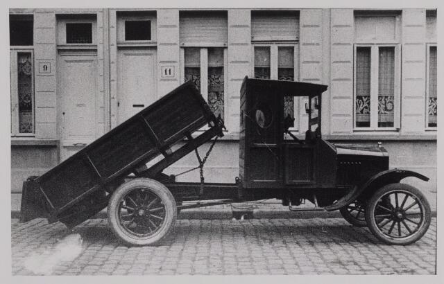 040385 - Motorvoertuigen. .Vrachtauto van de garage van Th.A.M: Knegtel.