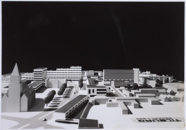 026263 - Maquette van het hernieuwde Koningsplein. Een ontwerp van Jaap Bakema.
