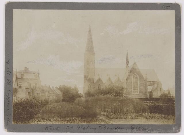 082372 - Gilze, Kerkstraat. Kerk Sint Petrus-banden gefotografeerd vanuit het zuiden