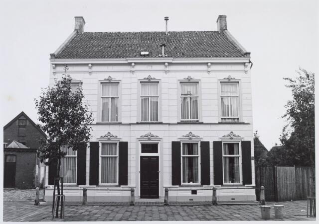 019292 - Fabrikantenwoning gelegen naast het complex van wollenstoffenfabriek C. Mommers. Het is gebouwd omstreeks 1890