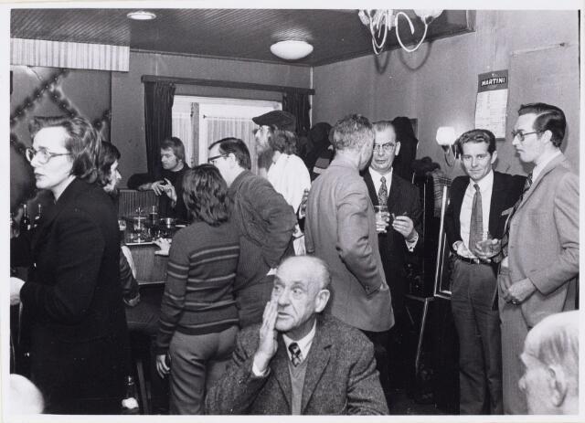 101225 - Het gezellige babbelhoekje in het sociaal cafe