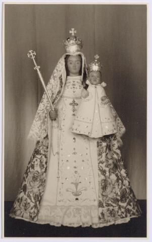 """044568 - Het beeld van """"Onze Lieve Vrouw van de Koningswei"""" in de St. Maartenkapel aan de Oranjestraat."""