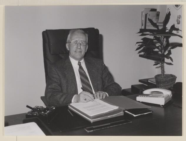 084130 - Wnd. burgemeester mr. G.M. van Oerle
