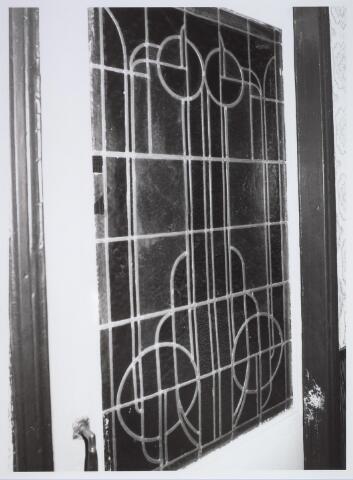 025678 - Glas-in/loodraam in het pand Leharstraat 109