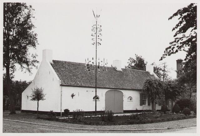 057225 - Poppentheater Schelleboom aan de Burgemeester Canterslaan