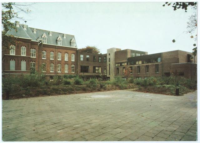 000171 - Achterzijde missiehuis van de missionarissen van het H. Hart aan de Bredaseweg.