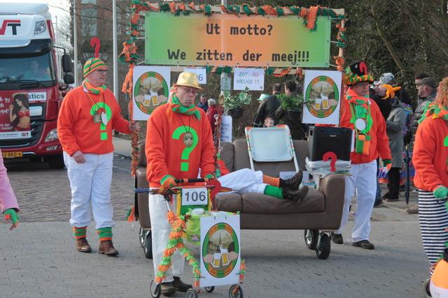 658183 - Carnaval. Optocht. D'n Opstoet. Kruikenstad. Carnavalsoptocht in Tilburg op 11 februari 2018.
