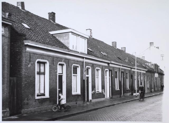 024179 - Panden aan de Prinses Sophiastraat in de voormalige wijk Koningswei
