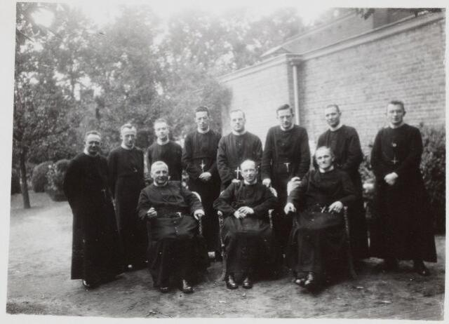 057372 - Fraters te Oisterwijk, 1934