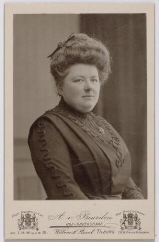 044225 - Maria Joanna Josephina de Beer (1877-1968) gehuwd met Auguste M.J.H.R. de Steenhuyzen Piters.
