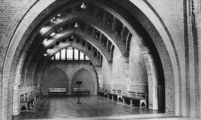 """105214 - Interieur nieuwbouw. """"Oratorium (gebedsruimte) voor de Broeders"""" Kloosters. Sint Paulusabdij. tussen 1956 en 1964"""