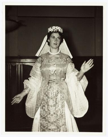 009268 - H. Hartstoet. de bruid uit het Hooglied. (1955)