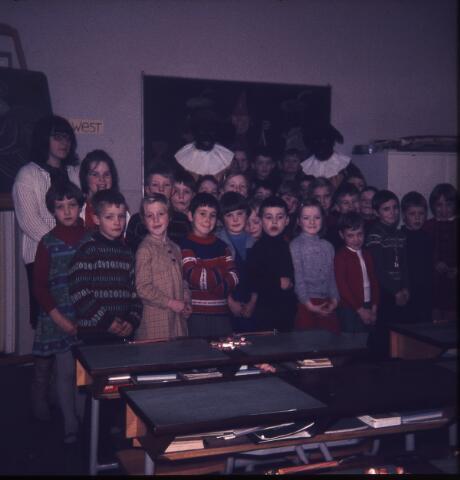650175 - Gerardus Majellaschool, Hulten. Sinterklaas.