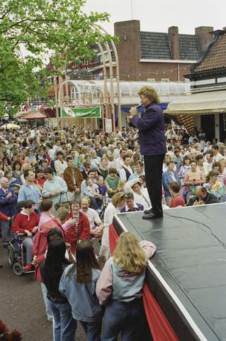 TLB023000535_001 - Festival van het levenslied, Piusplein.
