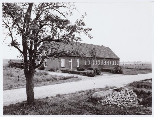 062465 - Boerderij aan de Berkelseweg.