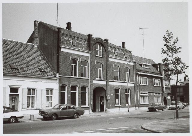 019485 - Kantoorpand van de firma Simon de Cock aan de Goirkestraat, bezien vanuit het Smidspad